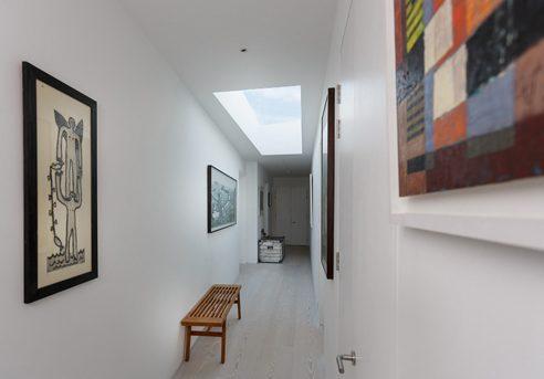php-492x375px-hallway